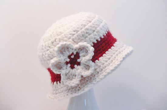 Chunky Cloche Hat with Flower Crochet Pattern