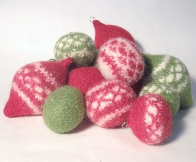 Nordic Style Christmas Baubles Knitting pattern at Makerist - Image 1