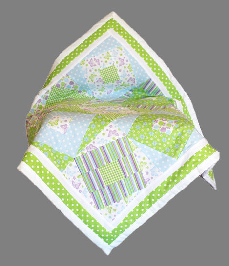 Baby quilt pdf pattern and tutorial - Wonky squares at Makerist - Image 1