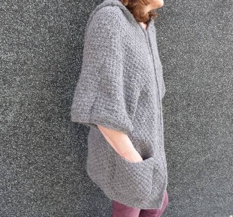 Kapuzen-Cape,  Strickanleitung M, L, XL     bei Makerist