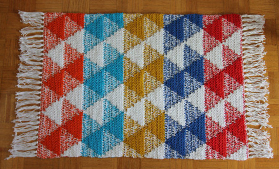 Crochet Rug Pattern (Diamonds Scatter Rug) at Makerist - Image 1
