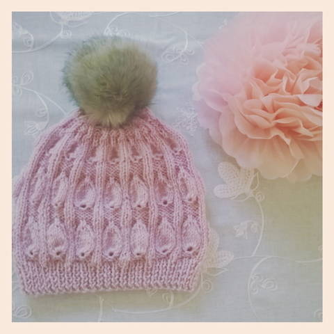 """ Blush"" slouchy hat-knitting pattern at Makerist"