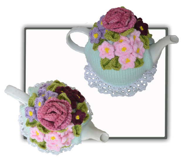 Violets & a Rose Tea Cosy at Makerist - Image 1