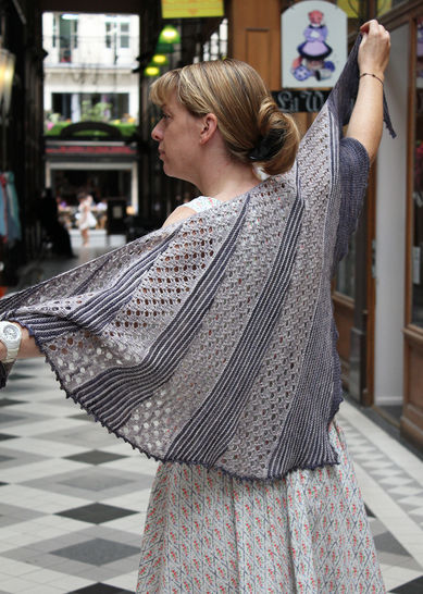 Lil & Love - Shawl Knitting pattern at Makerist - Image 1