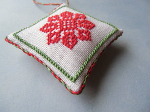Christmas ornaments collection x 54 tiles - Cross stitch pattern. Instant download PDF. (en)