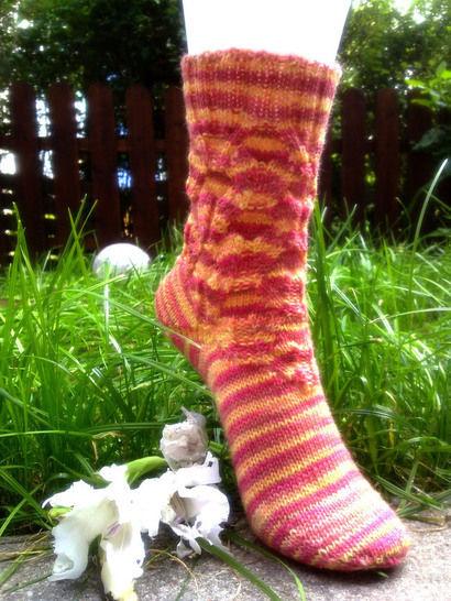 """Strickanleitung - Socken """"Wellfeeling"""" bei Makerist - Bild 1"""