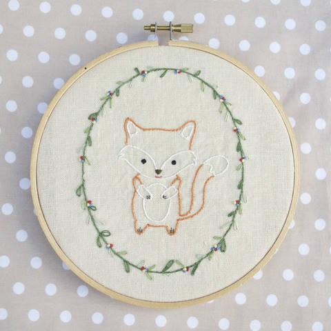 Little Fox, hand embroidery PDF pattern & instructions (en) bei Makerist