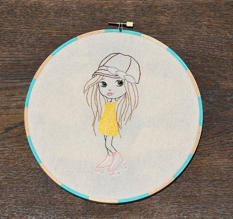 Let the Good Times Roll - Girl in Roller Skates, Hand Embroidery PDF Pattern (en)