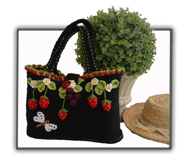 Strawberry Field Tote / Bag at Makerist - Image 1