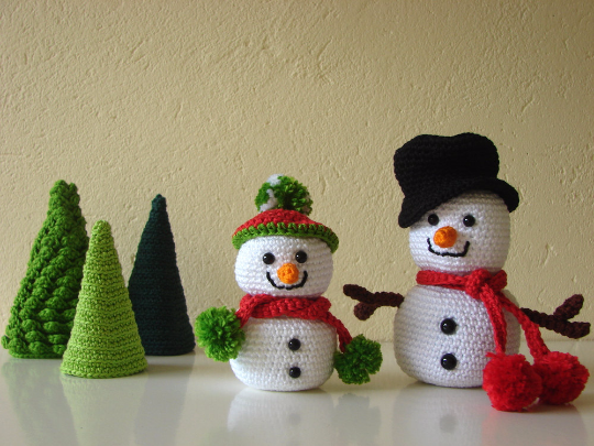 Snowmen and trees - crochet pattern