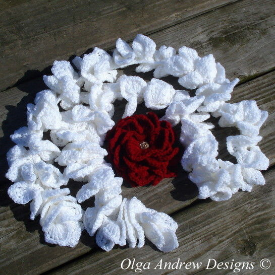 Ruffle scarf and brooch Dahlia crochet pattern 030 at Makerist - Image 1