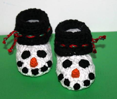 Schneemann Socken für die kleinsten Häkelanleitung