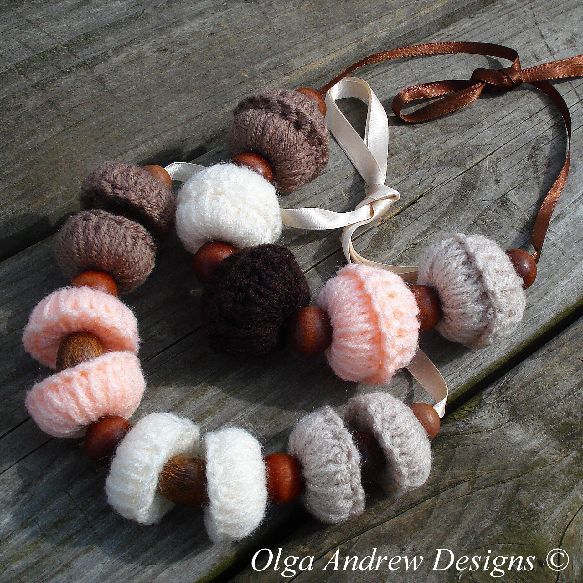 Large beads and beaded boho necklace crochet pattern066