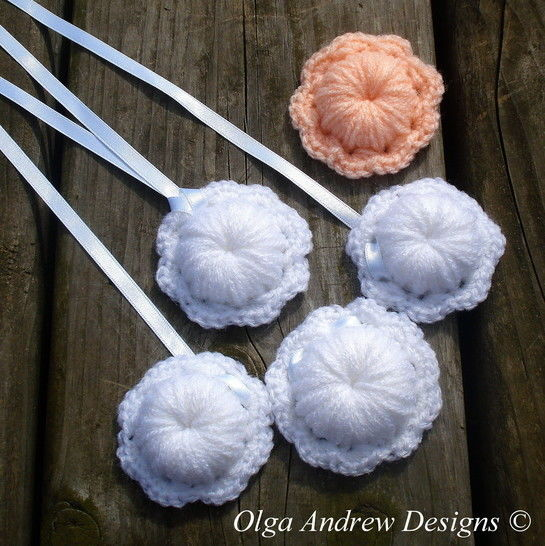 Flower necklace/pendant/brooch crochet pattern 068 at Makerist - Image 1