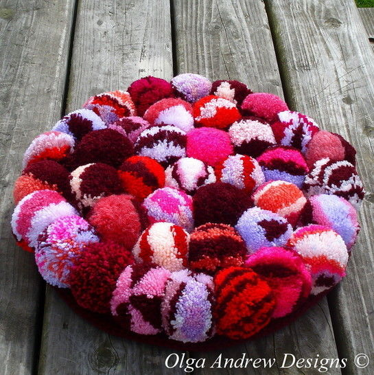 Pompom rug/chair seat cushion crochet pattern 064 at Makerist - Image 1