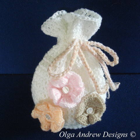 Gift bag with appliques crochet pattern 007