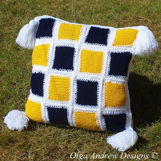 Patchwork cushion knit/crochet pattern 006 at Makerist - Image 1