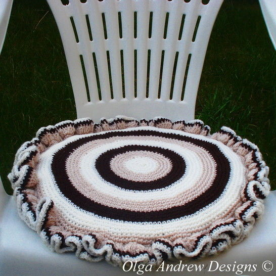 Chair seat cushion crochet pattern 044 at Makerist - Image 1