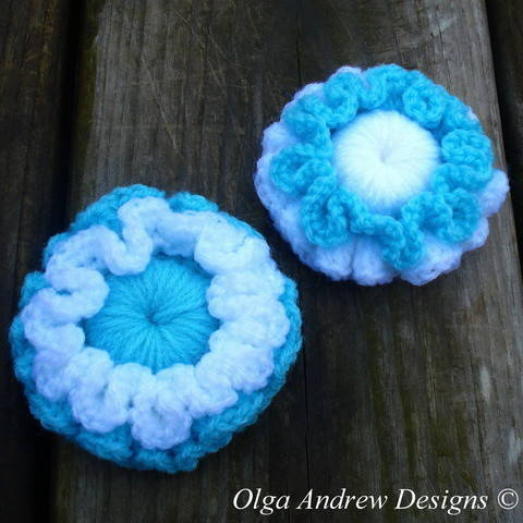Two-layered flower crochet pattern 059 at Makerist