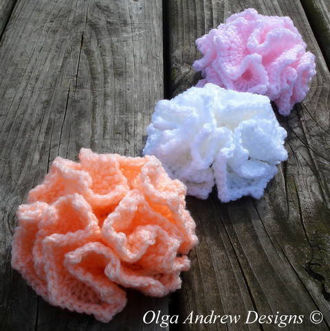 Ruffle flower crochet pattern 003 at Makerist