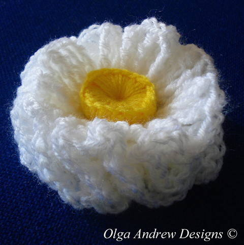 Air ruffle flower crochet pattern 023 at Makerist
