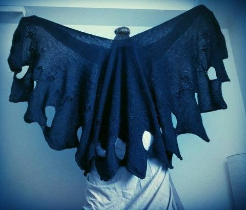 Scorpion Flower - Big Raggedy Wrapping Shawl Knitting pattern