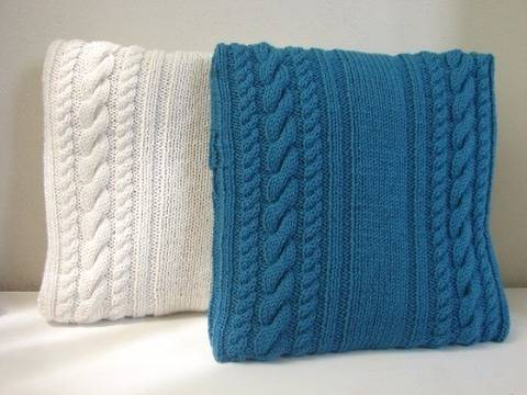 Cable cushion cover 40 x 40 cm / 15.75 x 15.75 - knitting pattern