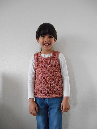 Conter fleurette - sleeveless sweater for girls at Makerist - Image 1