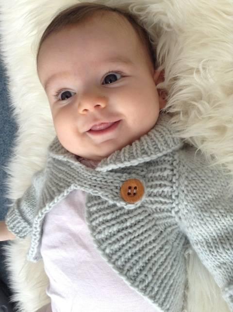 Miss Daisy Shrug - knitting pattern (en) bei Makerist