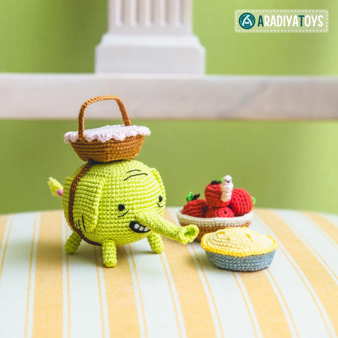 Crochet Pattern of Tree Trunks by AradiyaToys