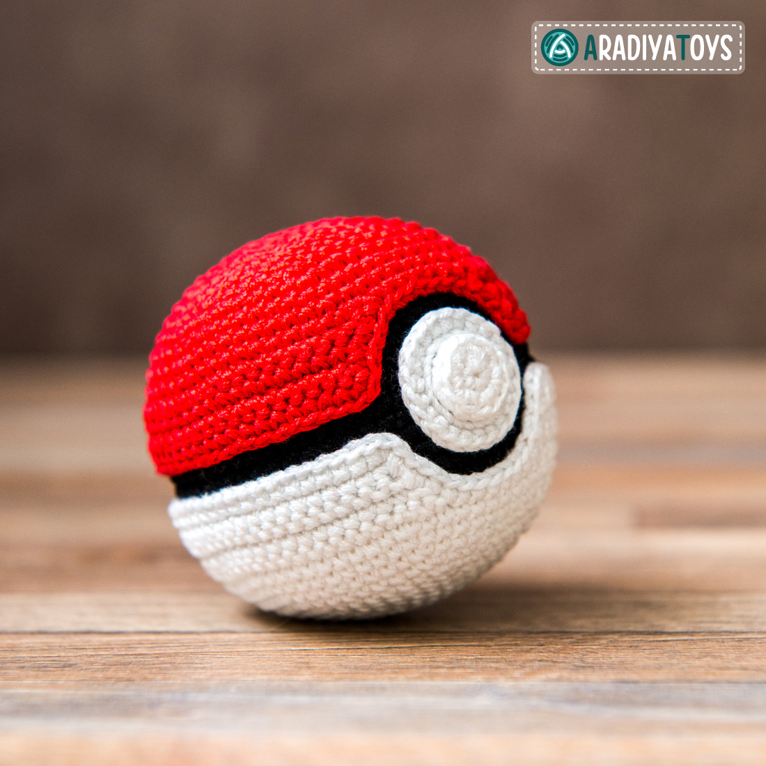 Crochet Pattern of Pokeball by AradiyaToys