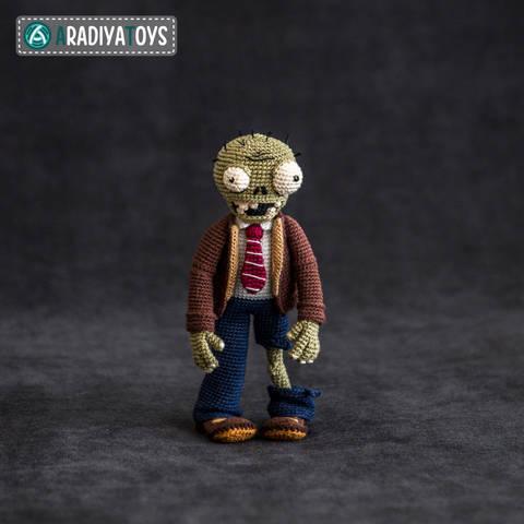Crochet Pattern of Zombie by AradiyaToys