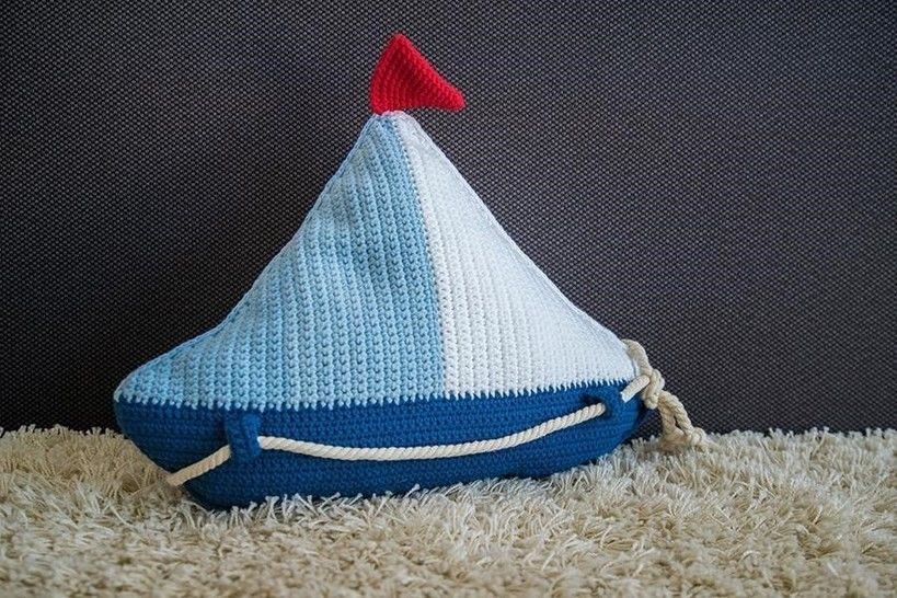 Crochet Pattern Sail Boat Pillow - HANKIDS at Makerist - Image 1
