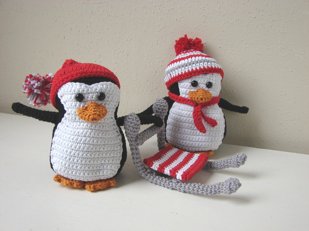 Amigurumi penguins and sled - crochet pattern