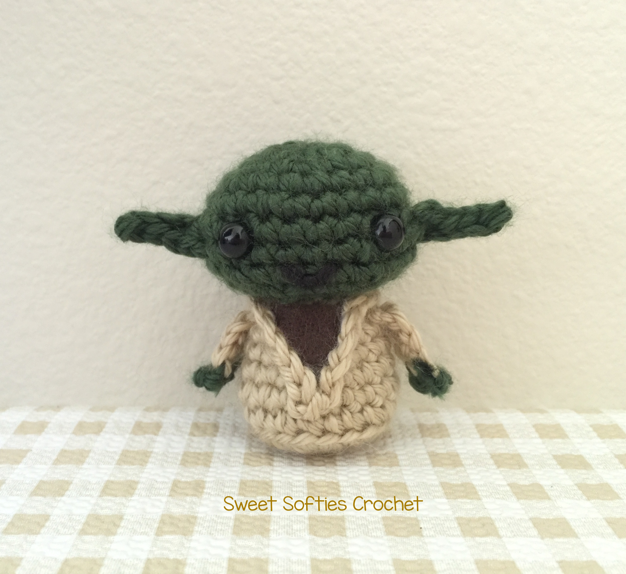 Mini Star Wars Yoda Amigurumi Doll