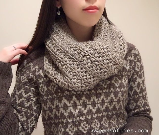 Kana the Wanderer's Cowl / Infinity Circle Scarf at Makerist - Image 1