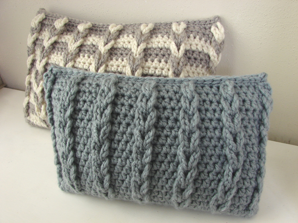 Chunky cushion cover with loops - crochet pattern