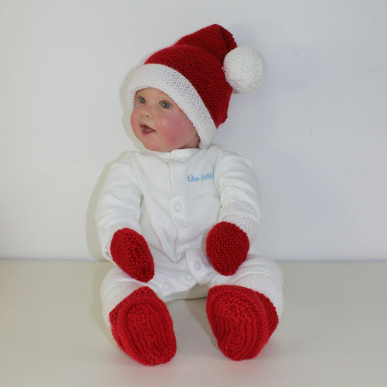 Baby Santa Hat Booties and Mittens at Makerist - Image 1