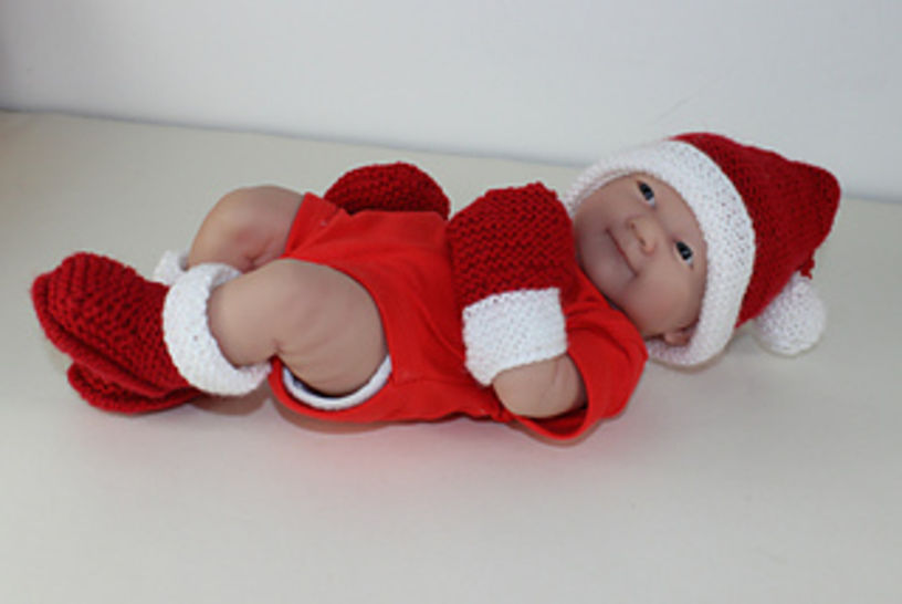 Preemie Baby Santa Hat Booties and Mittens at Makerist - Image 1