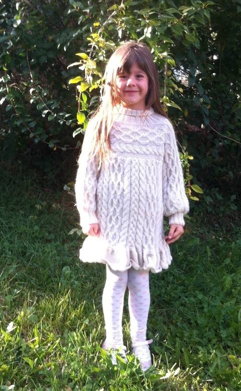 Anamchara - Jumper / Sweater / Dress for Girls 5 years size 122 at Makerist