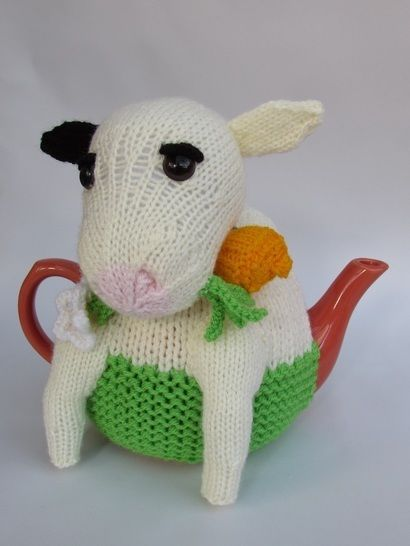 Friesian Cow Tea Cosy at Makerist - Image 1
