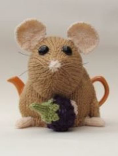 Pint sized Dormouse tea cosy at Makerist - Image 1