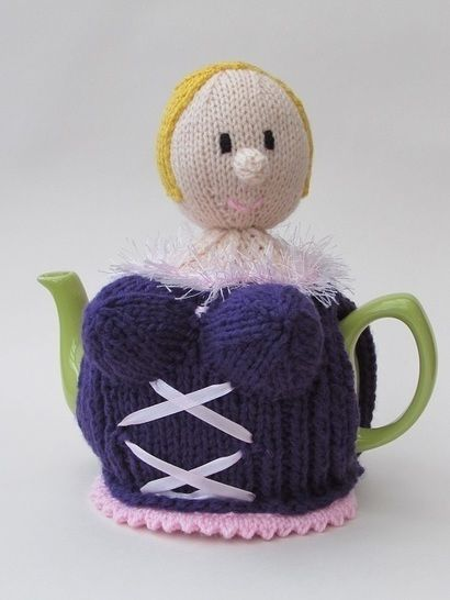 Busty blonde tea cosy at Makerist - Image 1
