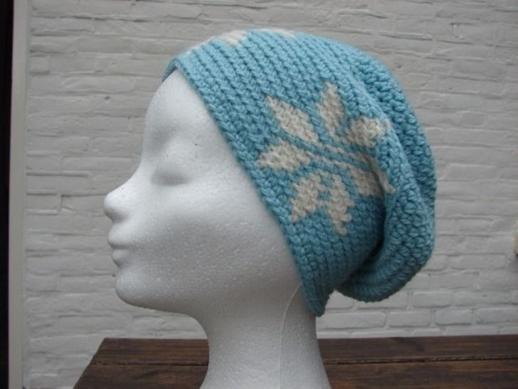 Winter hat with stars mochila - crochet pattern at Makerist - Image 1