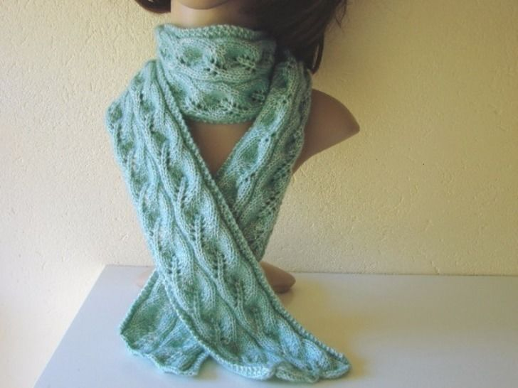 Scarf with leaves - knitting pattern at Makerist - Image 1