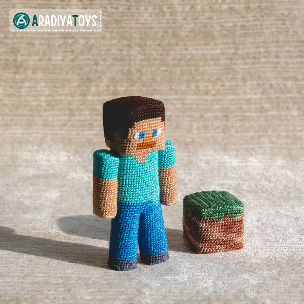 "Crochet Pattern of Steve from ""Minecraft"" by AradiyaToys"