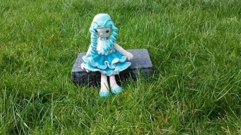 Puppe Aquarelle - Häkelanleitung
