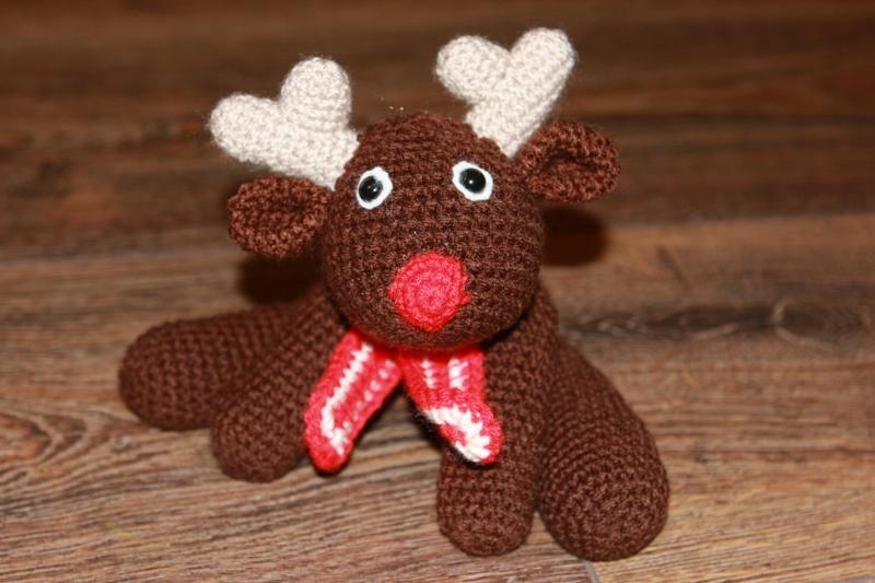 Reni, das Weihnachtsrentier - Häkelanleitung