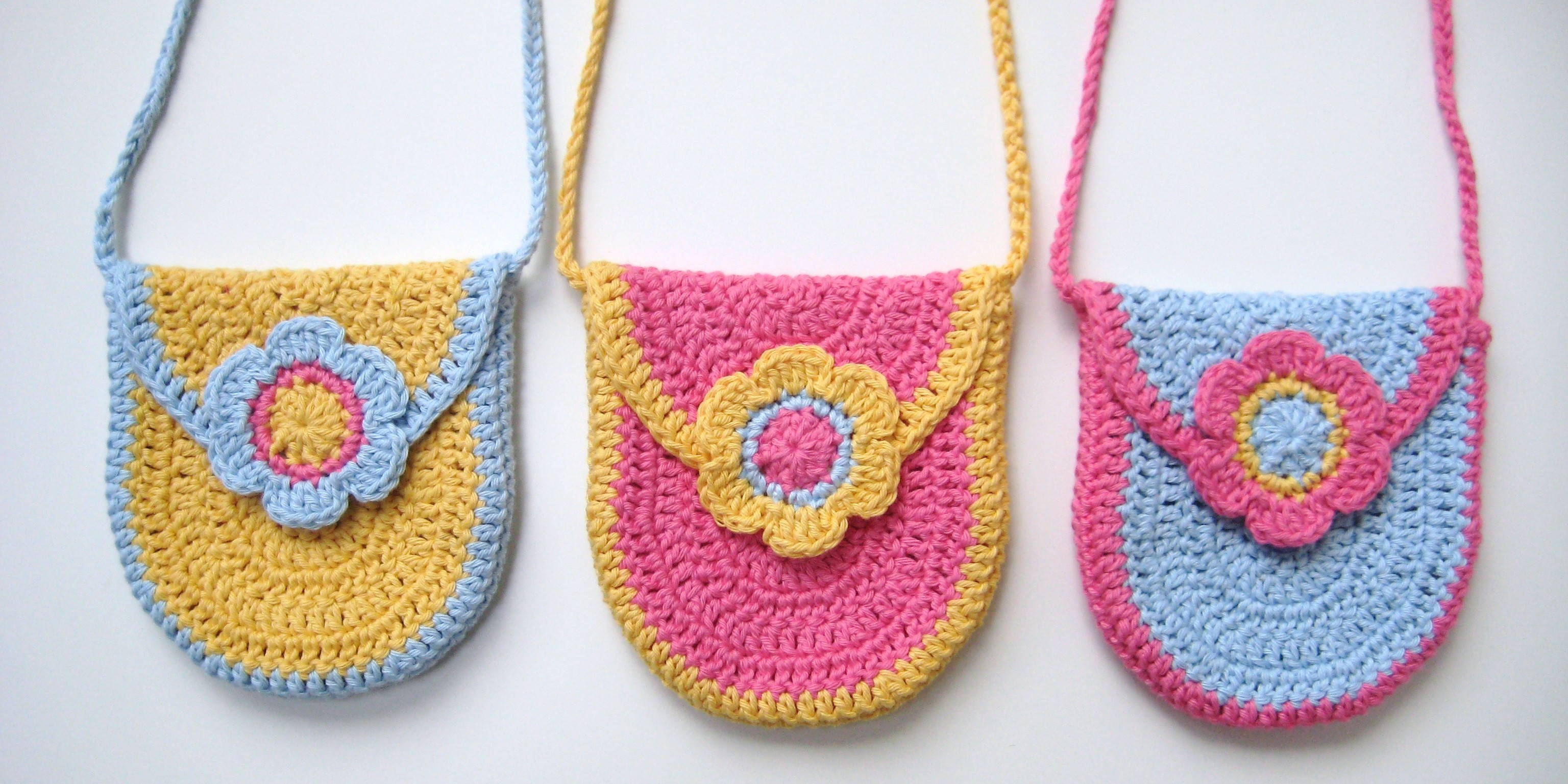 Crochet bag, Curved U-shaped Bag, Pattern No9, in both UK and US crochet terms