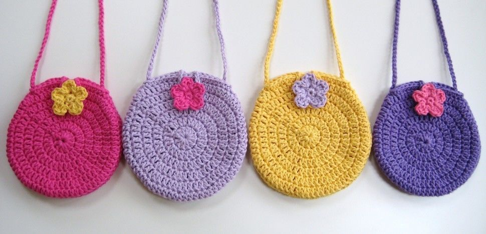Crochet bag, Easy round circle bag, Pattern No3, with long strap, in both UK and US crochet terms at Makerist - Image 1